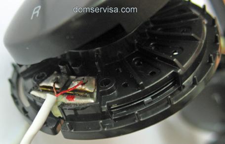 Припаяли провод от iPhone к правому уху наушников Sporta Pro Koss
