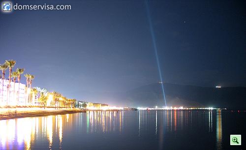 Ночной пляж. Вид на центр Мармариса