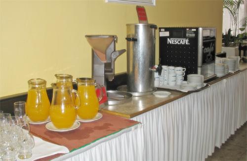 Напитки в ресторане: чай, кофе, какао, соки