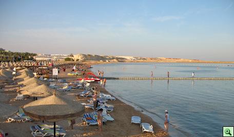 Пляж отелей Sol Cyrene и Sol Sharm