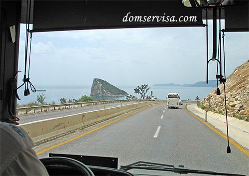Дорога по Турции, вид на остров-черепаху