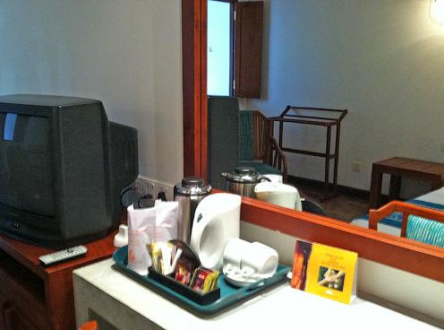 Чайный набор есть в каждом номере отеля Tangerine Beach