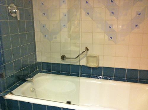 В каждом номере отеля Tangerine Beach стоит ванна