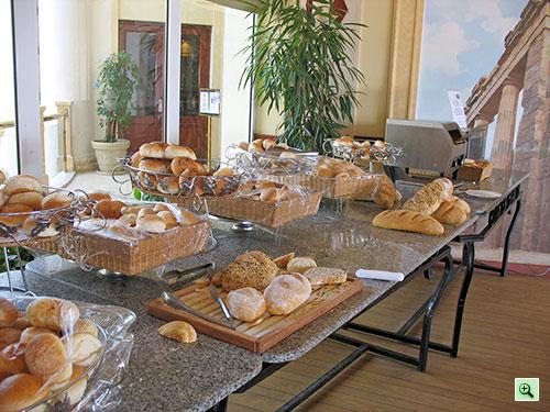 Хлеб, булочки, тостер