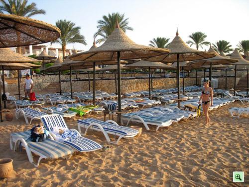 Пляж отеля Tiran Island Corinthia